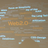 "Diana Sachs-Silveira presents ""Web 2.0"" (adapted) by sylvar (CC BY 2.0) via flickr"
