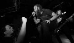 Heavy Metal Band (Bild: Ray Dumas [CC BY-SA 2.0], via Flickr)