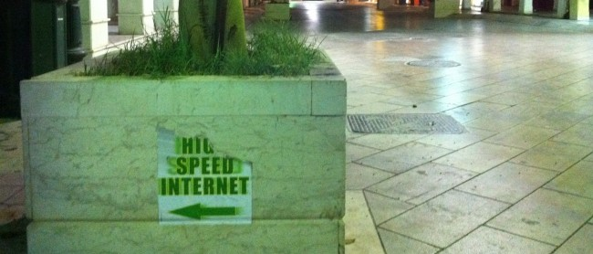 High Speed Internet (Bild: ReindeR Rustema [CC BY-SA 2.0], via Flickr)
