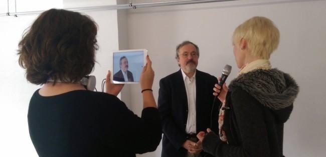 Mobiles Video-Interview mit einem iPad (Bild: Tobias Schwarz/Collaboratory, CC BY 4.0)