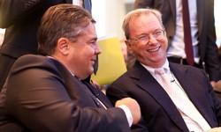 Bundesminister Sigmar Gabriel und Google Executive Chairman Eric Schmidt (Bild: BMWi, Kermann)