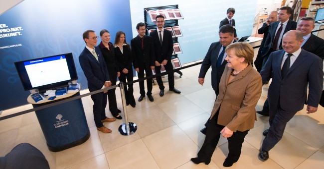 Software Campus und Bundeskanzlerin Angela Merkel (Bild: Daniel Reinhardt)