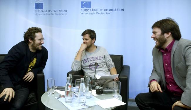 Europapolitik im Netz – Albrecht und Müller diskutieren (Bild:  Jens Schicke)
