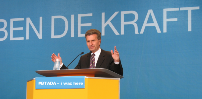 Günther Oettinger (Bild: Claas Augner [CC BY 2.0], via Flickr)
