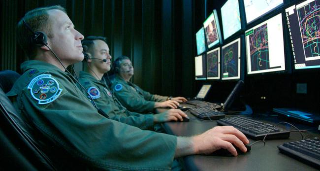 Cyberwar (Bild: U.S. Air Force photo/Capt. Carrie Kessler [Public Domain], via wikimedia)