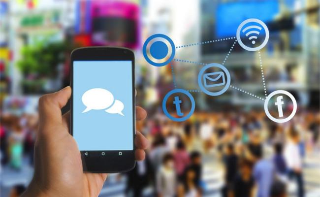 social media, facebook, twitter, messaging, teenager,