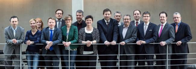 """Mitglieder des Bundestagsausschusses """"Digitale Agenda"""" im März 2014 (Bild: Tobias Koch, CC BY 3.0)"""
