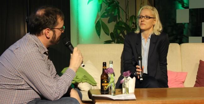 Betahaus-Geschäftsführer Lars Brücher im Gespräch mit Juliane Leopold (Bild: Alexandra von Heyl/Netzpiloten, CC BY 4.0)