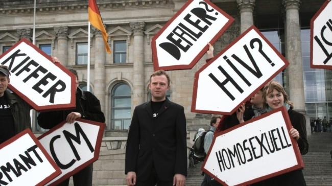 Protest gegen die Vorratsdatenspeicherung (Bild: ozeflyer [CC BY 2.0], via Wikimedia Commons)