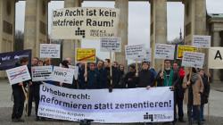 Abmahnwache Leistungsschutzrecht by Digitale Gesellschaft (CC BY-SA 2.0) via Flickr