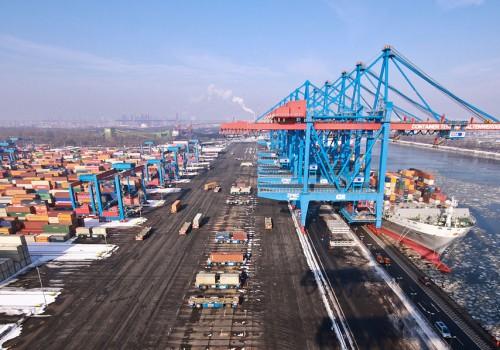 Container Terminal Altenwerder (Bild by Frank Grunwald [CC BY-SA 3.0], via Flickr)