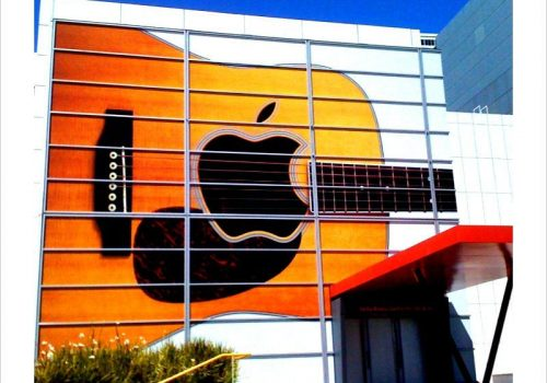 Day 242/365 - Apple guitar sign (Prepping for their September 1 event) (adapted) (Image by Anita Hart [CC BY-SA 2.0] via Flickr)