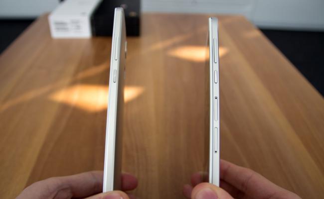 Seite des Huawei Ascend Mate 7 und des Ascend G7 (Bild: Alexandra von Heyl/Netzpiloten, CC BY 4.0)