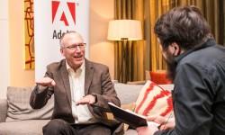 Mitch Green im Interview mit Tobias Schwarz (Bild: Berti Kolbow-Lehradt/Adobe)