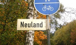 Neuland (Bild: Frank Vincentz [CC BY-SA 3.0], via Wikimedia Commons)