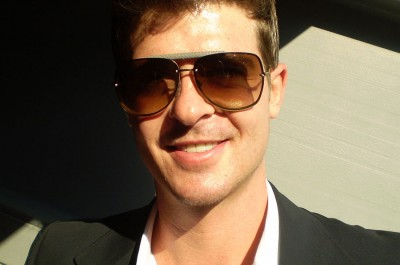 Robin Thicke (Bild by Michelle Uthoff-Campbell [CC BY-SA 2.0], via Wikimedia Commons)