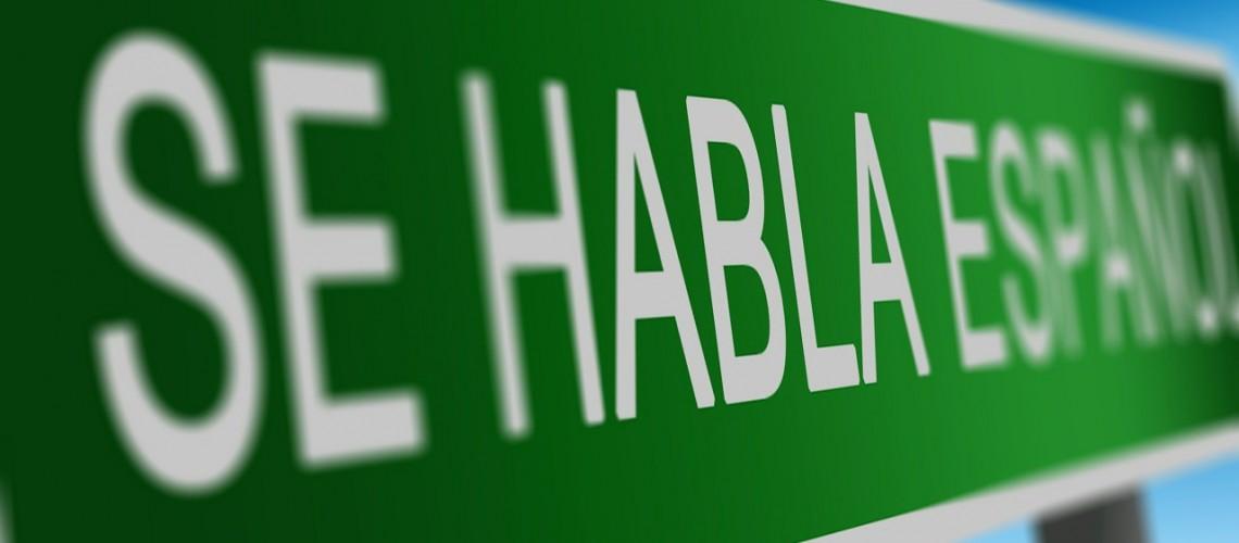 Se Habla Espanol (Bild by Jairo Zelaya [CC0 Public Domain], via Pixabay)