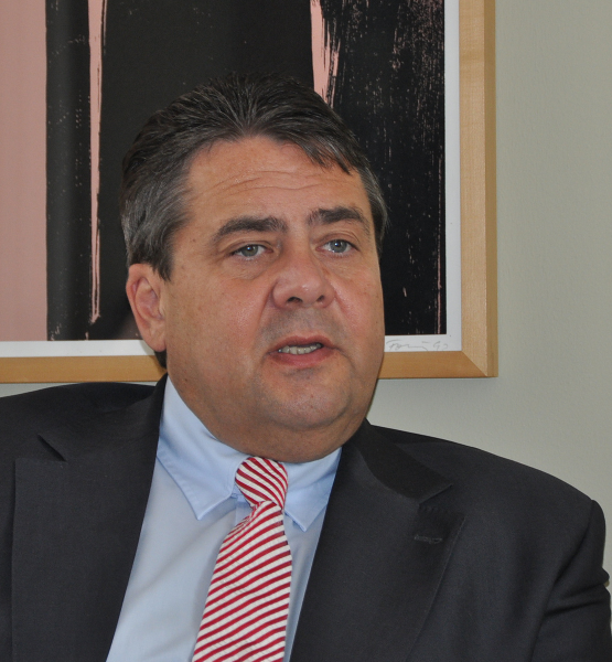 Sigmar Gabriel (adapted) (Image by Christliches Medienmagazin pro [CC BY-SA 2.0] via Flickr)