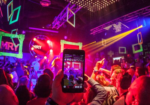 Using Meerkat App at Nas Concert at MRY SXSW party (adapted) (Image by Anthony Quintano [CC BY 2.0] via Flickr)