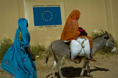 Darfurians refugees in Eastern Chad (adapted) (Image by European Commission DG ECHO [CC BY-SA 2.0] via Flickr