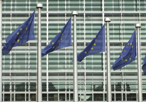 EU comission (adapted) (Image by linus_art [CC BY-SA 2.0] via Flickr