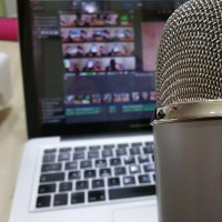 Microphone for Podcast (Image: Ivsu [CC0 Public Domain], via Pixabay)
