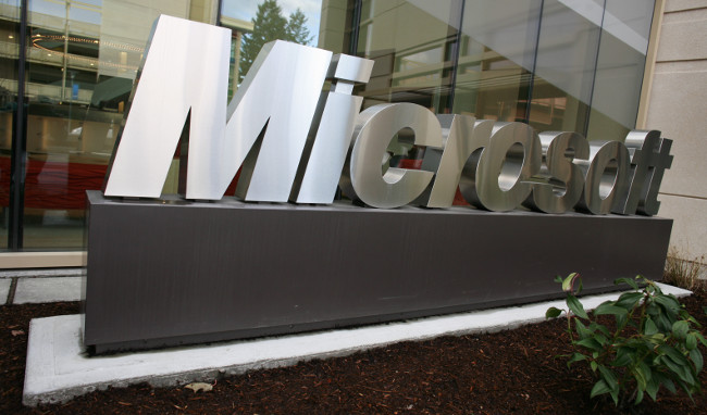 Microsoft sign outside building 99 by Robert Scoble (CC BY 2.0) via Flickr