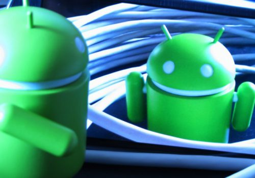 Enredando con Android .) (1) (adapted) (Image by Daniel Sancho [CC BY 2.0] via Flickr)