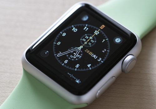 Apple -  Watch Sport (adapted) (Image by Yasunobu Ikeda [CC BY-SA 2.0] via Flickr)