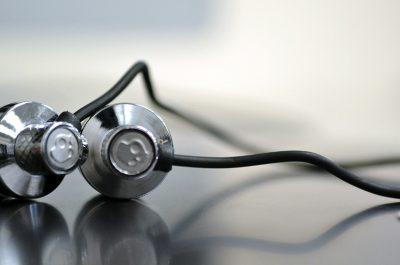 Skullcandy Headphones (adapted) (Image by Brett Levin [CC BY 2.0] via Flickr)