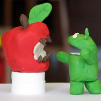 The raging battle between Apple's iPhone and Google's Android (Image:  Tsahi Levent-Levi [CC BY-SA 2.0] via Flickr)