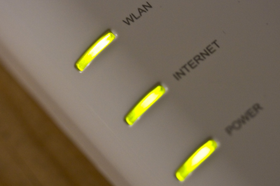 FON Wireless Router (adapted) (Image by nrkbeta [CC BY-SA 2.0] via Flickr)