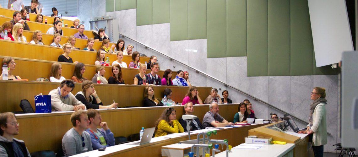 GOerasmus – Informationsveranstaltung zu geförderten Auslandsaufenthalten mit ERASMUS+ (adapted) (Image by Universität Salzburg (PR) [CC BY 2.0] via Flickr)