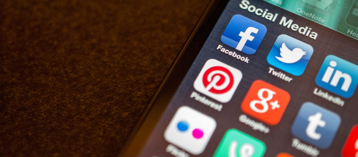 Social Media apps (adapted) (Image by Jason Howie [CC BY 2.0] via Flickr)