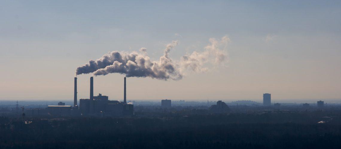 Industrie-Skyline (adapted) (Image by Nico Kaiser [CC BY-SA 2.0] via Flickr)