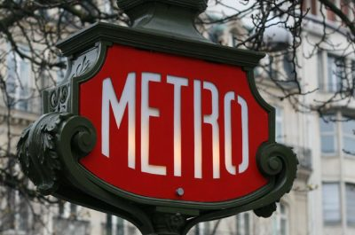 Metro (adapted) (Image by Peter Daniel [CC BY 2.0] via Flickr)