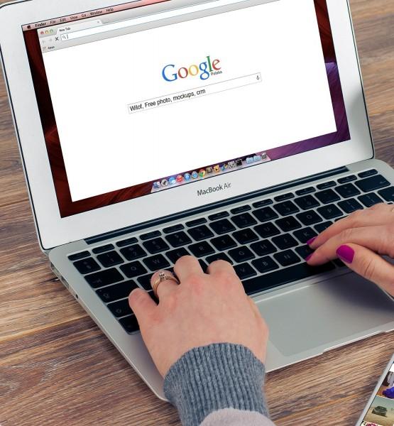 Mit Google am Desktop suchen (Image-FirmBee(CC0 Public Domain) via Pixabay