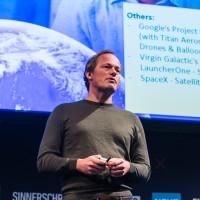 Yuri van Geest spricht auf der NEXT15 (Image: Dan Taylor)