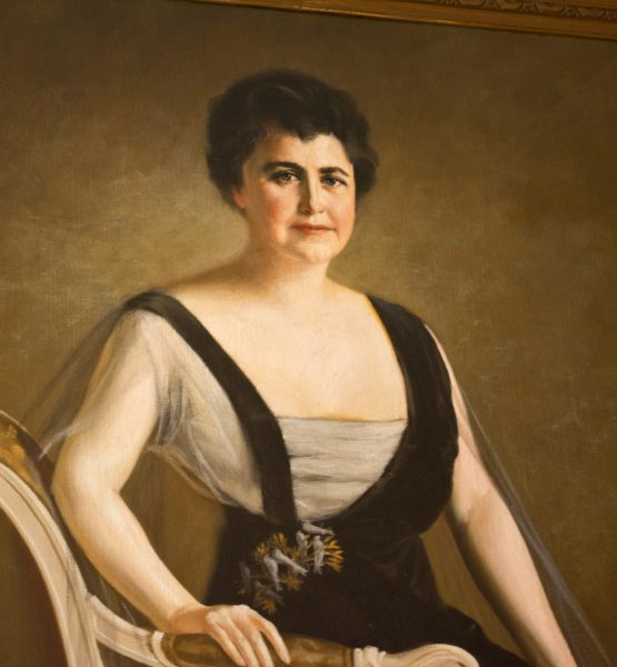 altered Edith Wilson portrait - Woodrow Wilson House - Washington DC - 2013-09-15 (adapted) (Image by Tim Evanson [CC BY-SA 2.0] via Flickr)