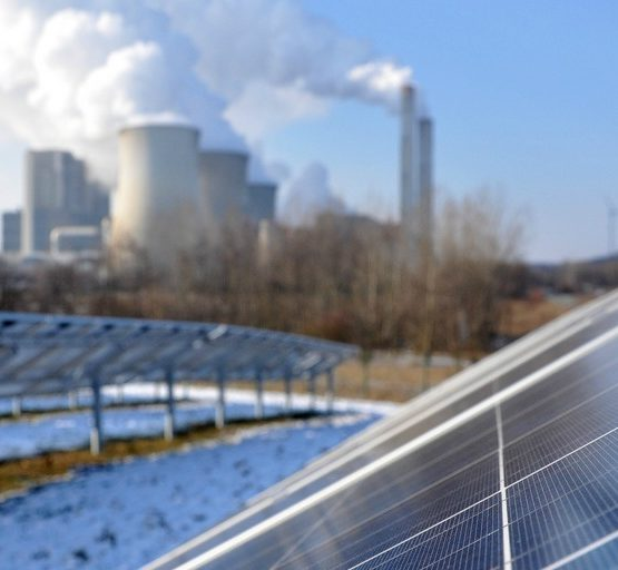 11. Station - Solarpark in Inden im Kreis Düren (adapted) (Image by EnergieAgentur.NRW [CC BY 2.0] via flickr)