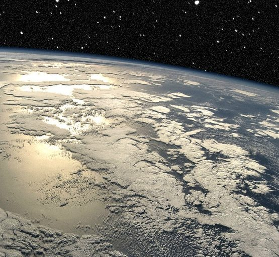 Earth Horizon (adapted) (Image by DonkeyHotey [CC BY 2.0] via flickr)