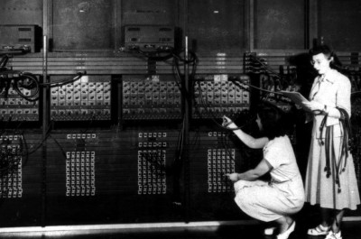 Historic Computer (image by U.S. Army Photo [CC0 Public Domain])