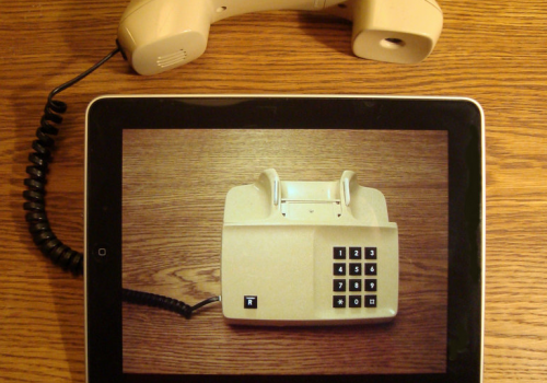 iPad telephony (adapted) (Image by Per-Olof Forsberg [CC BY 2.0] via Flickr)