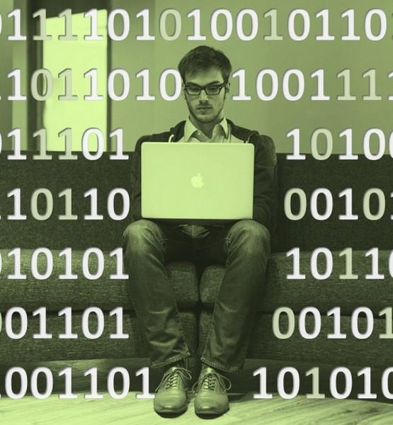 tech-startup-computer-matrix (Image by Tumisu (CC0) via Pixabay)