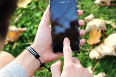 Android Phone (Image by Jan Vašek [CC0 Public Domain], via jeshoots.com)