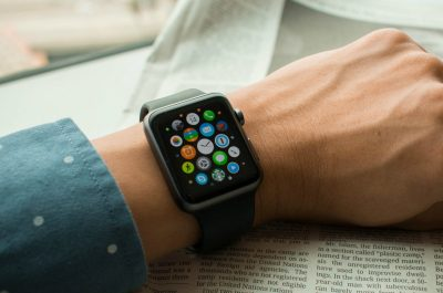Apple Watch Sport (adapted) (Image by LWYang Folgen [CC BY 2.0] via flickr)