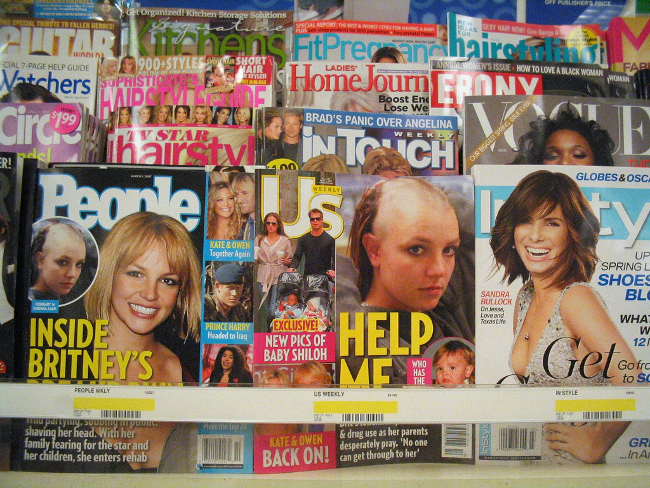 Celebrity News (Image by Daniel Oines(CC BY 2.0)via Flickr)