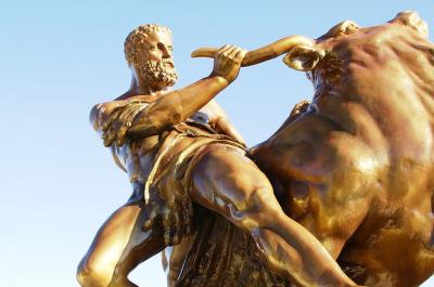 Herkules Statue in der Orangerie des Schloss Schwerin(Teaser Hermann Luyken(CC0-Public-Domain)via Wikimedia