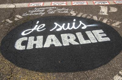 Hommage et soutien de la Demeure du Chaos à Charlie Hebdo #jesuischarlie _DDC1879 (adapted) (Image by thierry ehrmann [CC BY 2.0] via flickr)