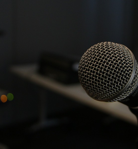 Mikrofon (image by  jonschwarz [CC0] via pixabay)